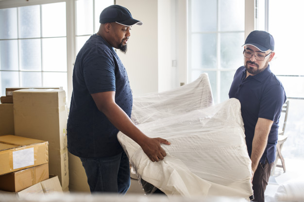 Find Movers: Hiring A Moving Company vs. Do It Yourself